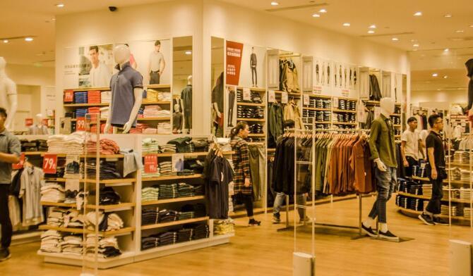 服装品牌跨界营销多元化:转型轮回把顾客拉到线下