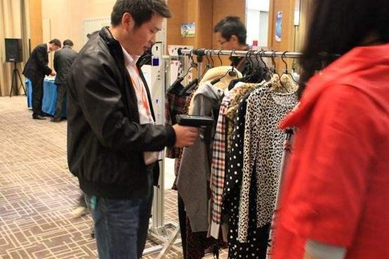 服装企业如何应用RFID技术实现视觉营销与触觉营销